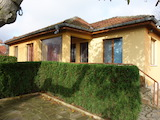 Дом с тремя спальнями в живописном районе недалеко от Варны