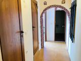 Солнечная двухкомнатная квартира с центральным расположением в Варне
