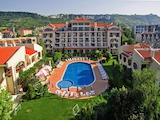 Двухкомнатная квартира с прекрасным видом на море в комплексе Вилла Романа