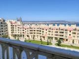 Двухкомнатная квартира на первой линии моря в комплексе Варна Саут Бэй
