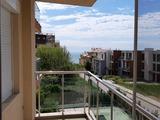 Просторная двухкомнатная квартира с большой террасой в городе Бяла