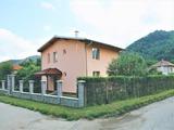 Новый дом в 400 м от Троянского монастыря